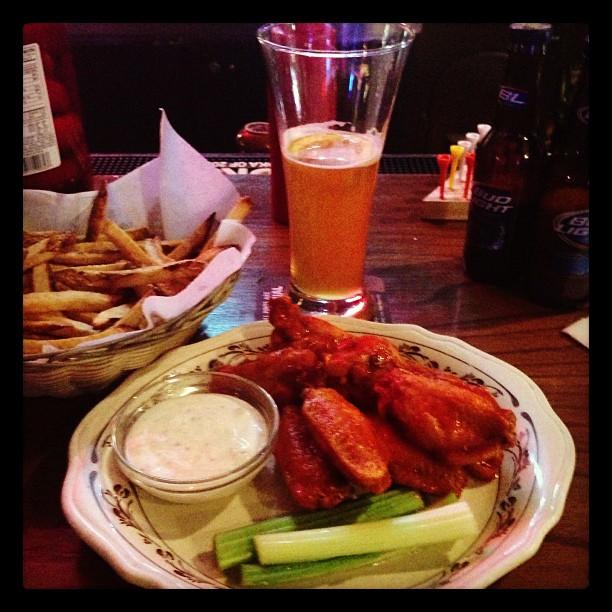 Wings n fries n beer